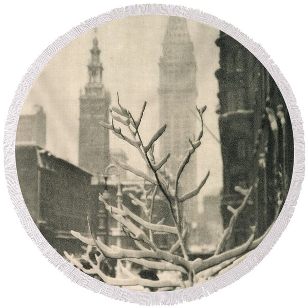 Two Towers  New York, 1911 Round Beach Towel