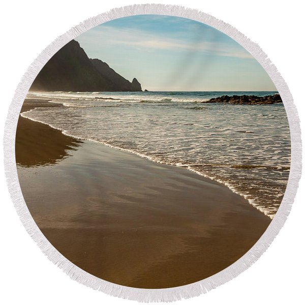 Wet Sandy Beach Round Beach Towel