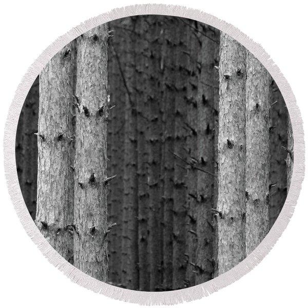 White Pines Black And White Round Beach Towel