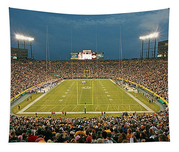 0614 Prime Time At Lambeau Field Tapestry