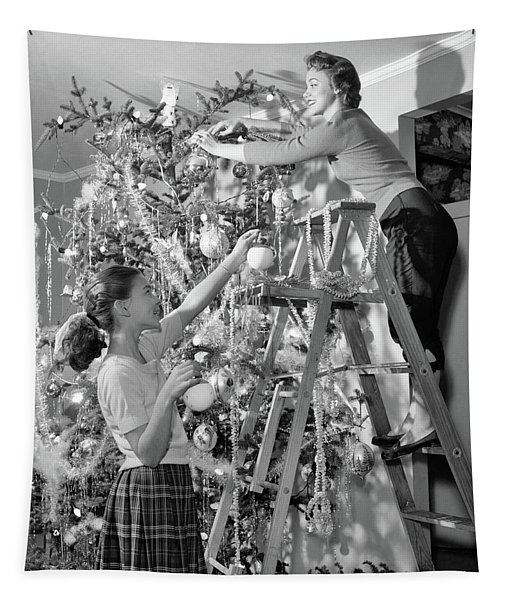 1950s Mother And Daughter Decorating Tapestry