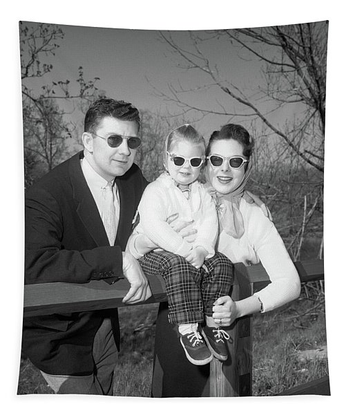 1950s Family Portrait With Sunglasses Tapestry