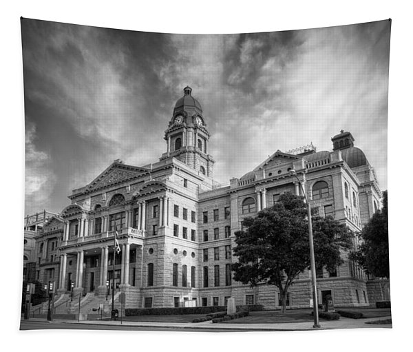 Tarrant County Courthouse Bw Tapestry
