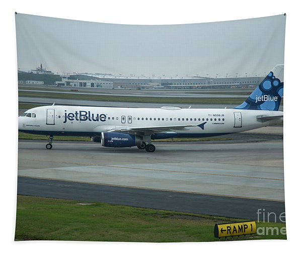 jetBlue Airways Jet N590JB Arriving Hartsfield-Jackson Atlanta International Airport Art Tapestry