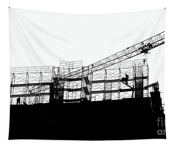 Large Scale Construction In Outline Tapestry