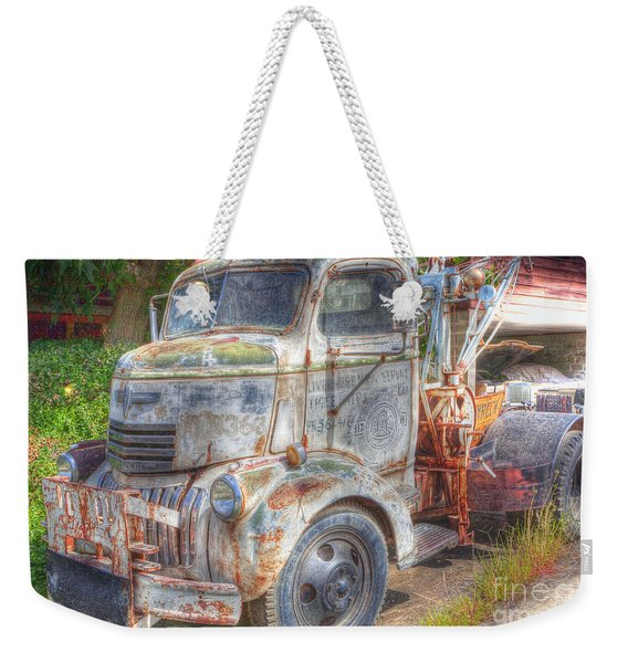 0281 Old Tow Truck Weekender Tote Bag