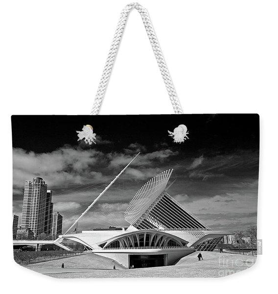 0352 Milwaukee Art Museum Infrared Weekender Tote Bag
