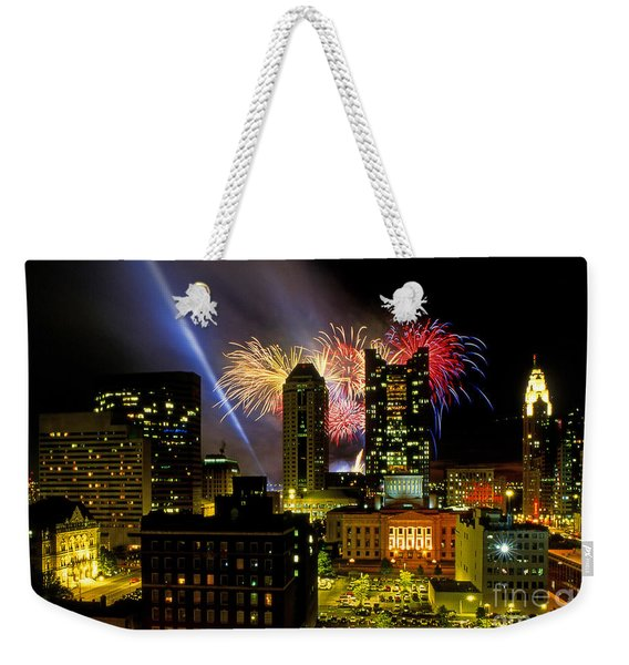 21l334 Red White And Boom Fireworks Display Photo Weekender Tote Bag