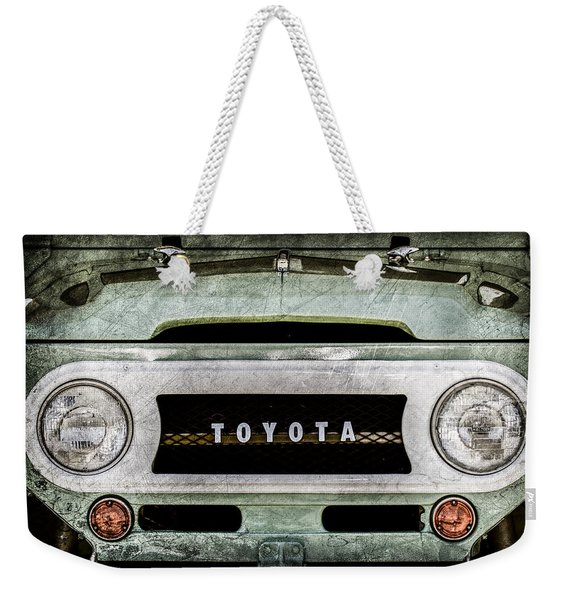 1969 Toyota Fj-40 Land Cruiser Grille Emblem -0444ac Weekender Tote Bag