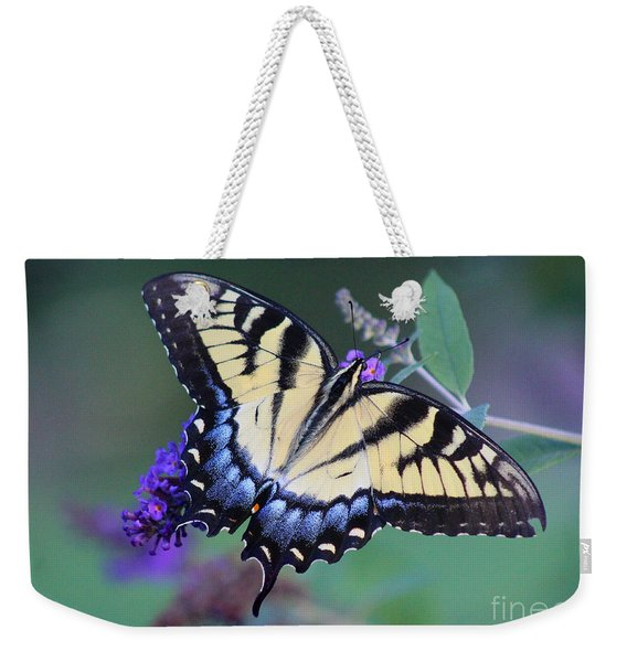 Eastern Tiger Swallowtail Butterfly On Butterfly Bush Weekender Tote Bag