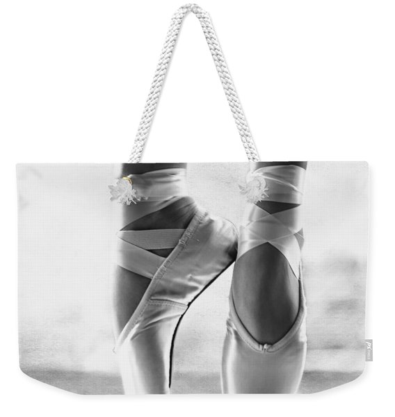 Ballet En Pointe Weekender Tote Bag
