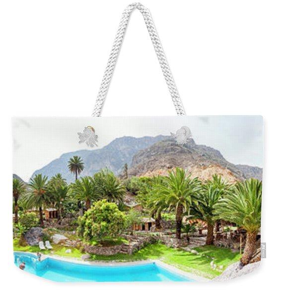 360 Degree View Of The Oasis Weekender Tote Bag