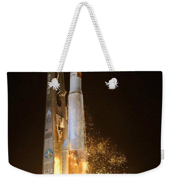 Atlas V Rocket Taking Off Weekender Tote Bag