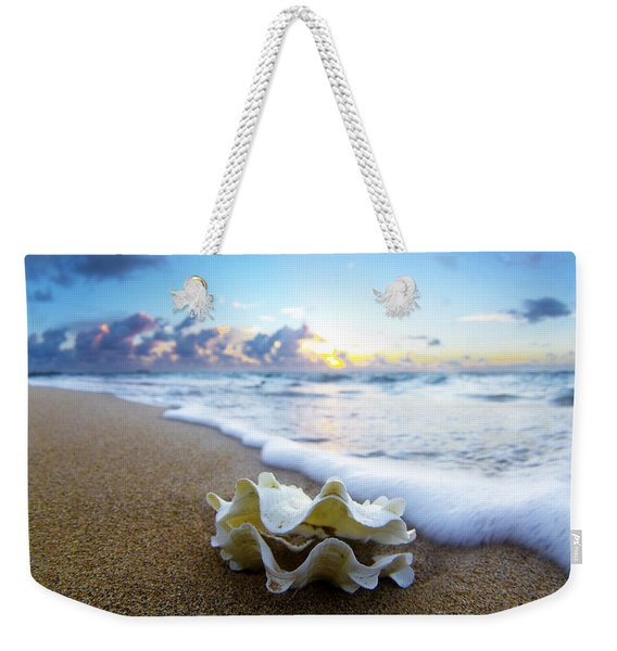 Clam Foam Weekender Tote Bag