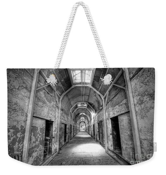 Eastern State Penitentiary Hallway Bw Weekender Tote Bag