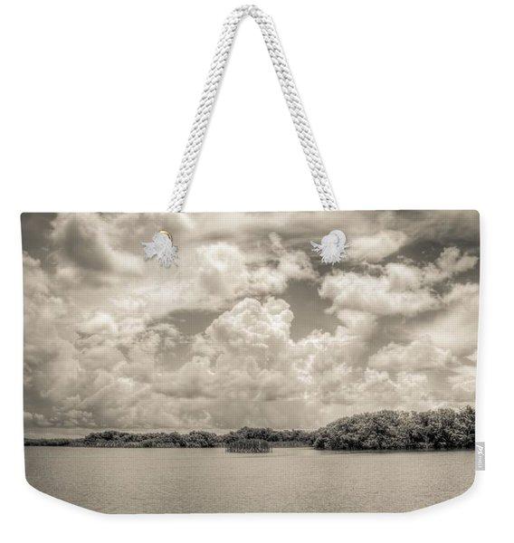Everglades Lake 6919 Bw Weekender Tote Bag