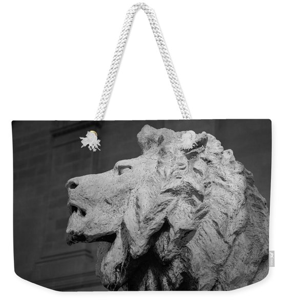 Lion Of The Art Institute Chicago B W Weekender Tote Bag