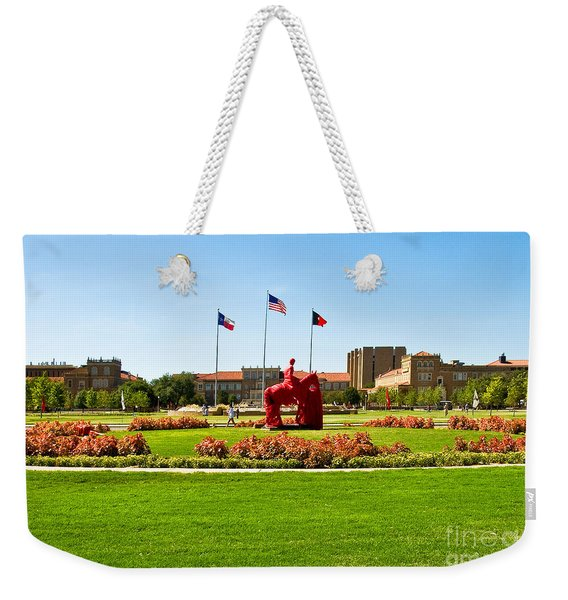 Weekender Tote Bag featuring the photograph Memorial Circle by Mae Wertz