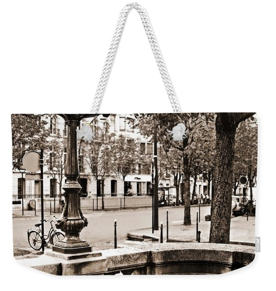 Metro Franklin Roosevelt - Paris - Vintage Sign And Streets Weekender Tote Bag