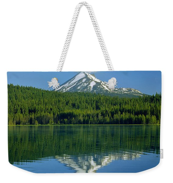 1m5705-h-mt. Mcloughlin From Lake Of The Woods Weekender Tote Bag