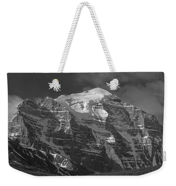 203553-north Face Mt. Temple Bw Weekender Tote Bag