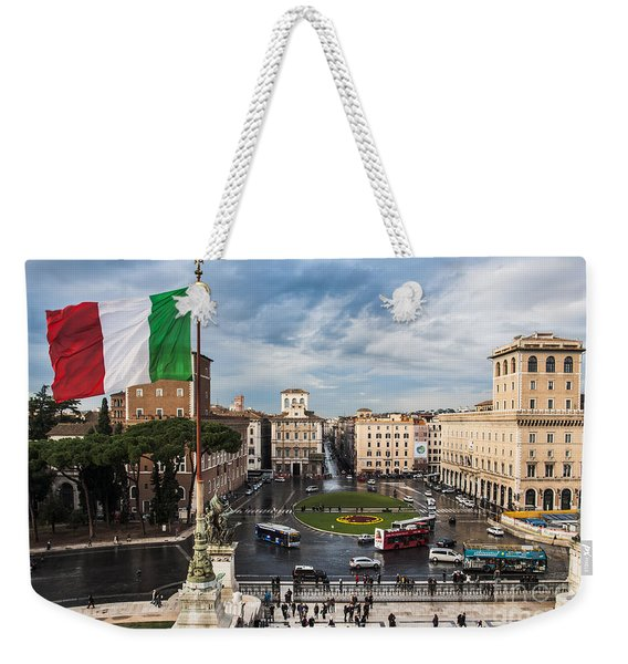 Weekender Tote Bag featuring the photograph Piazza Venezia by John Wadleigh
