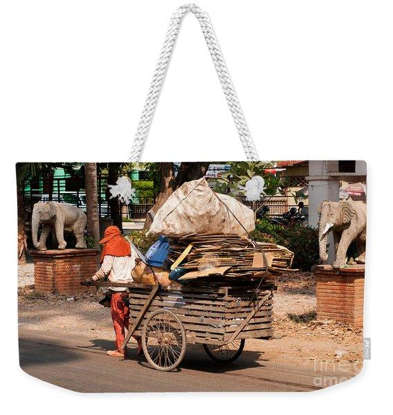 Scavenger Weekender Tote Bag