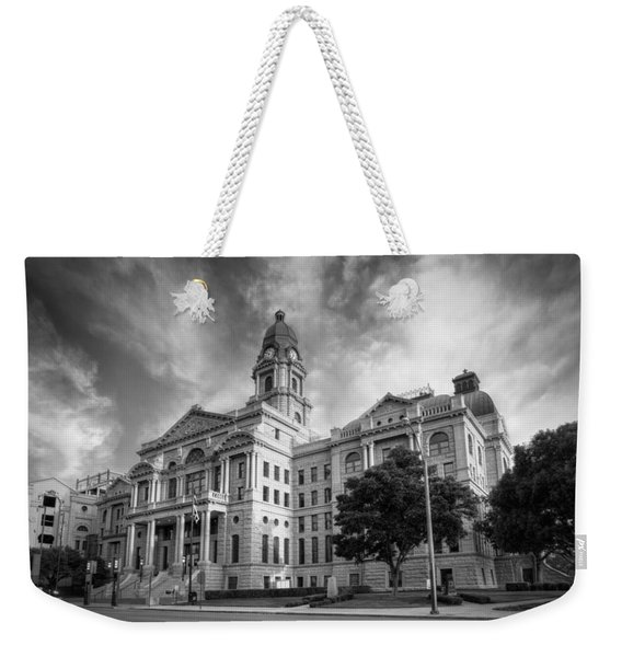Tarrant County Courthouse Bw Weekender Tote Bag