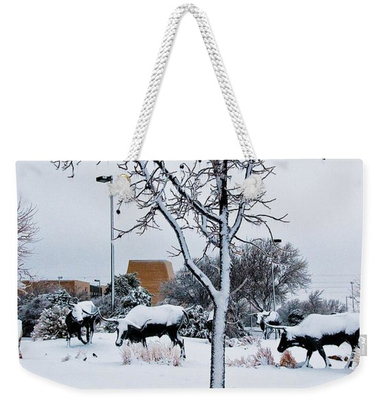 Weekender Tote Bag featuring the photograph Heritage Grounds by Mae Wertz