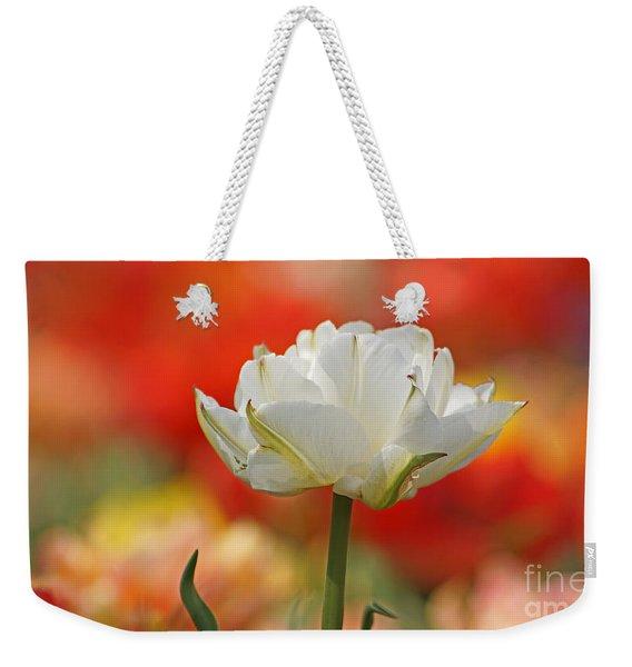 White Tulip Weisse Gefuellte Tulpe Weekender Tote Bag