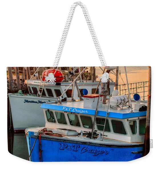 Weekender Tote Bag featuring the photograph Yarmouth Harbour by Garvin Hunter