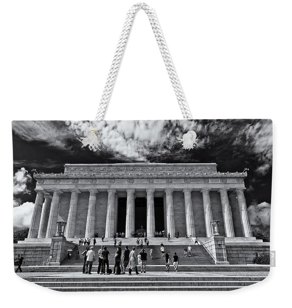 Lincoln Memorial In Black And White Weekender Tote Bag