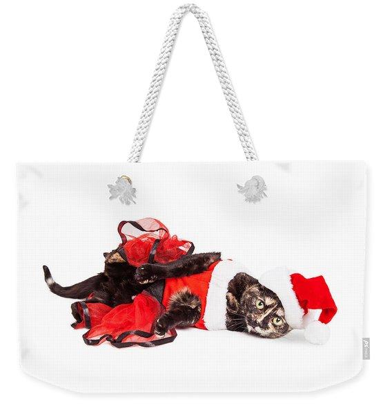 Funny Christmas Santa Cat Laying Weekender Tote Bag