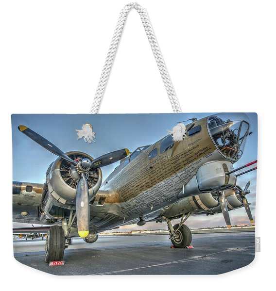 B17 Flying Fortress On The Ramp At Livermore Weekender Tote Bag