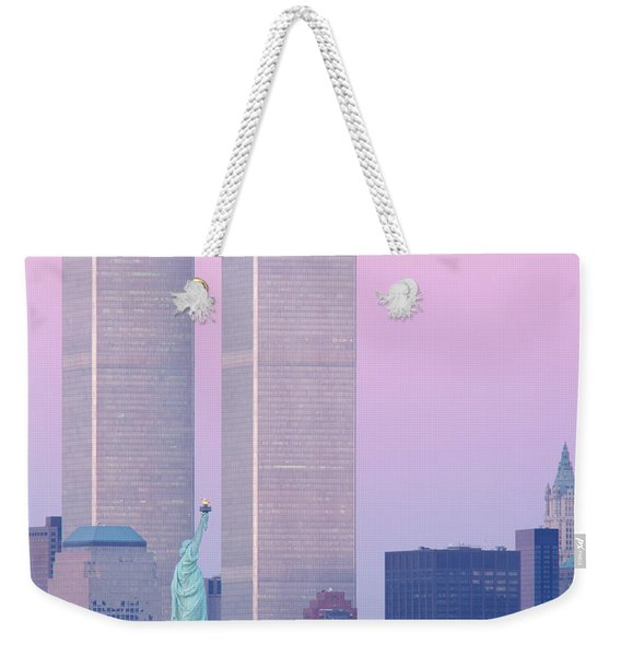 Usa, New York, Statue Of Liberty Weekender Tote Bag