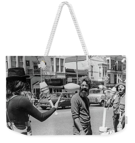 Weekender Tote Bag featuring the photograph A Close Call, San Francisco Street Artists by Frank DiMarco
