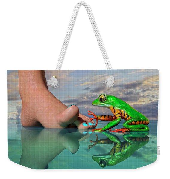 Amazon Tree Frog Curiosity Weekender Tote Bag