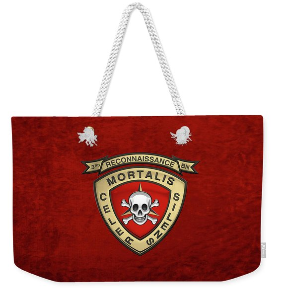 U S M C  3rd Reconnaissance Battalion -  3rd Recon Bn Insignia Over Red Velvet Weekender Tote Bag