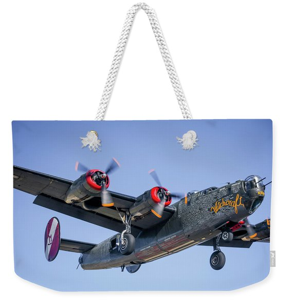 B24 Liberator Landing At Livermore Weekender Tote Bag