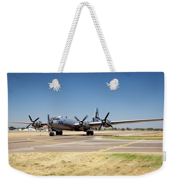 B29 Fifi Taxis At Modesto Kmod Weekender Tote Bag