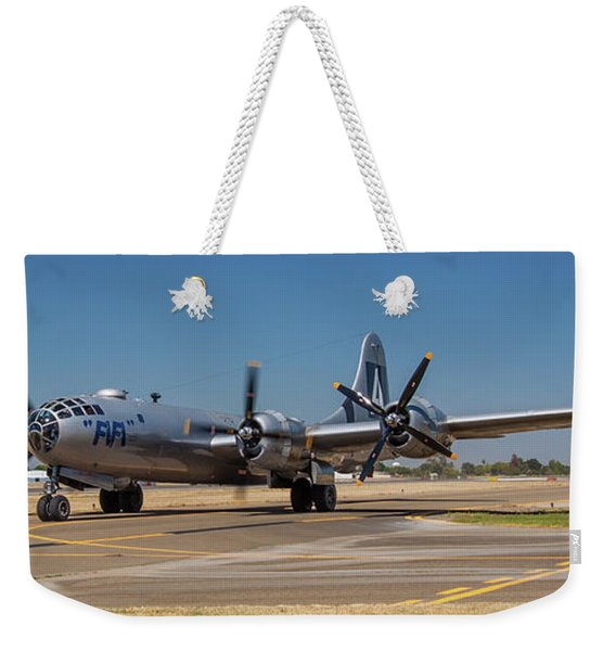 B29 Superfortress Taxiing At Modesto Weekender Tote Bag