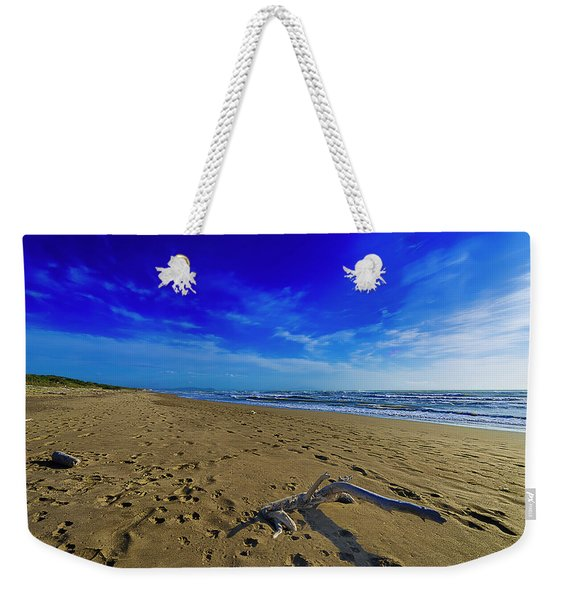Beach With Wood Trunk - Spiaggia Con Tronco I Weekender Tote Bag
