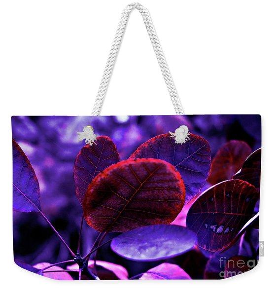 Bleeding Violet Smoke Bush Leaves - Pantone Violet Ec Weekender Tote Bag