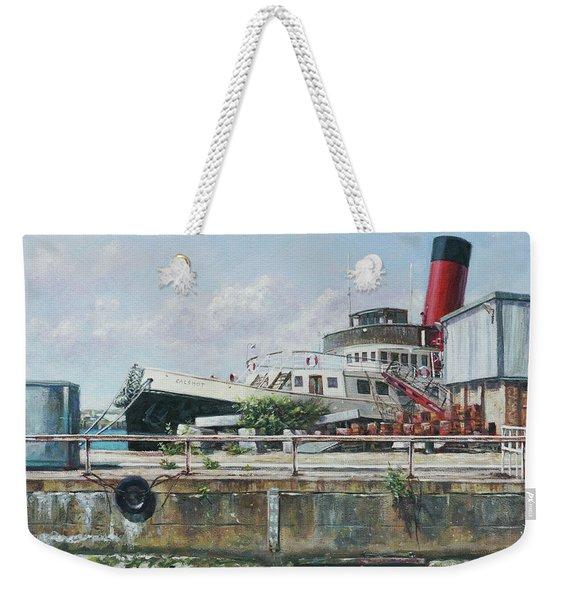 Calshot Tug Boat At Southampton Docks Weekender Tote Bag