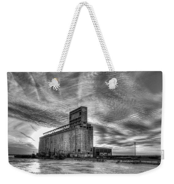 Cargill Sunset In B/w Weekender Tote Bag