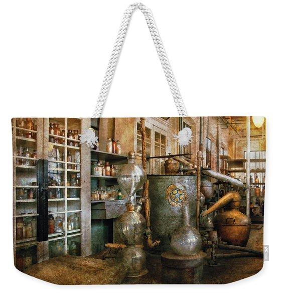 Chemist - Chemistry 101 Weekender Tote Bag