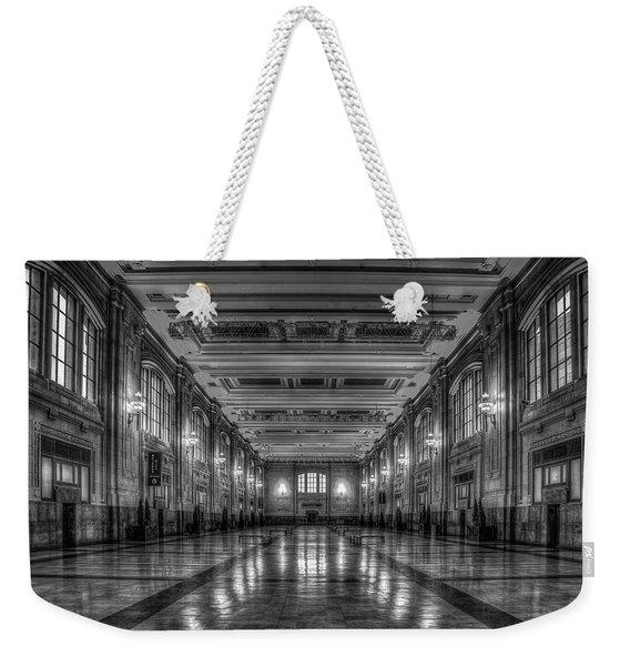 Frozen In Time B W Union Station Kansas City Missouri Art Weekender Tote Bag