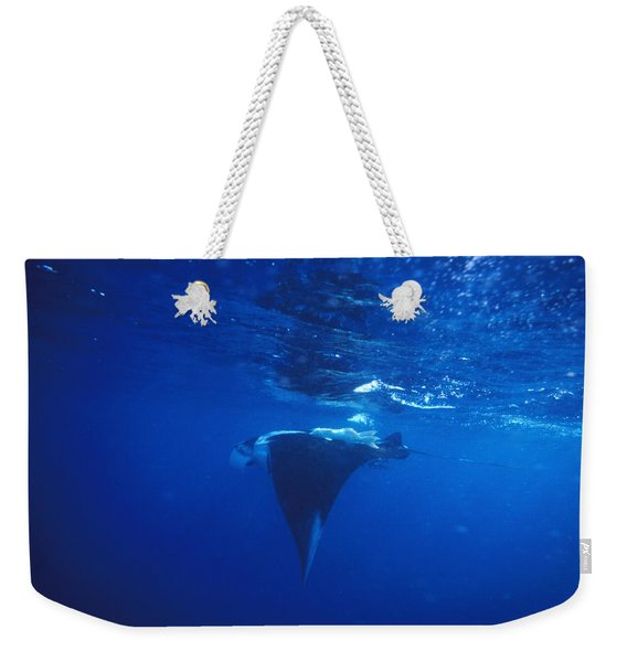 Gianta Pacific Manta Ray Profile, Manta Weekender Tote Bag