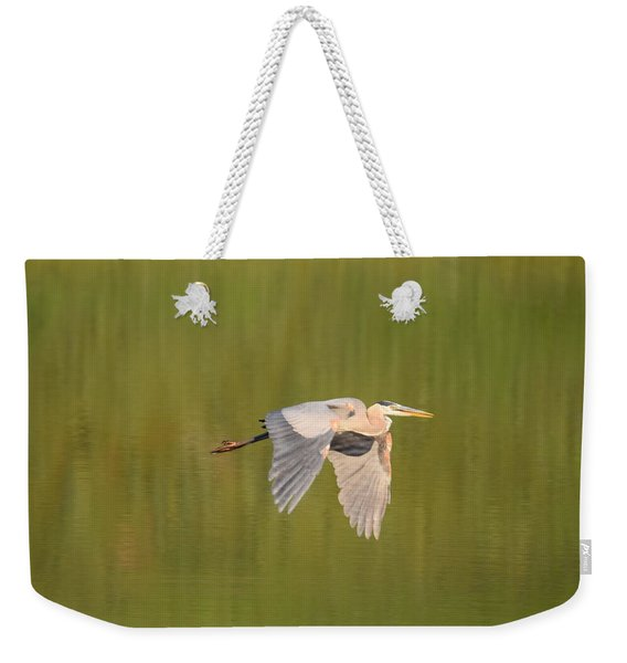 Weekender Tote Bag featuring the photograph Geat Blue Heron Burgess Res Divide Co by Margarethe Binkley