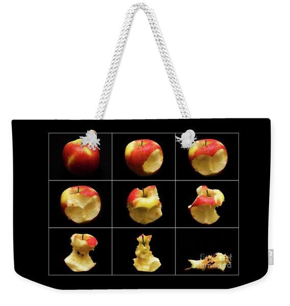 How To Eat An Apple In 9 Easy Steps Weekender Tote Bag